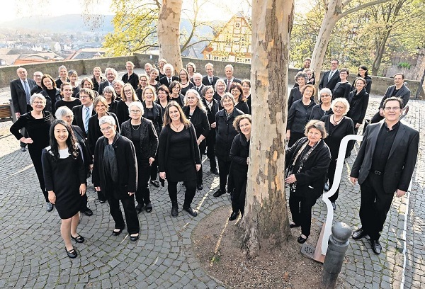 Kurhessische Kantorei auf dem Kirchhof